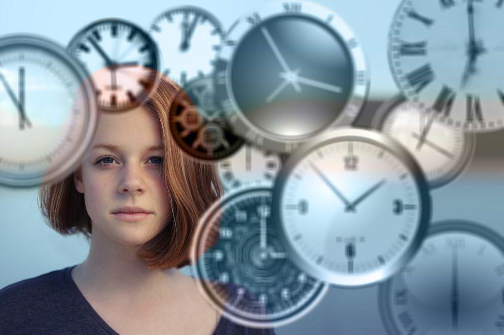 Váš den má pouze 24 hod. Zakázek pod cenou budete muset stihnout mnohem více! Zdroj: pixabay.com