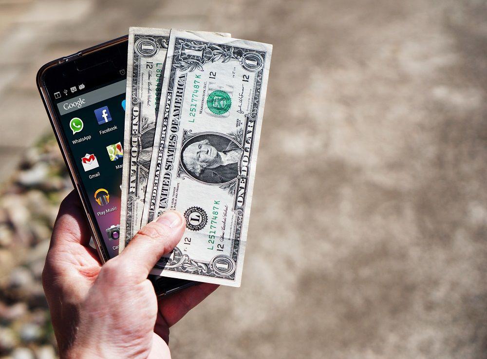 Crowdfunding Vám díky moderním technologiím umožní získat peníze od budoucích zákazníků.