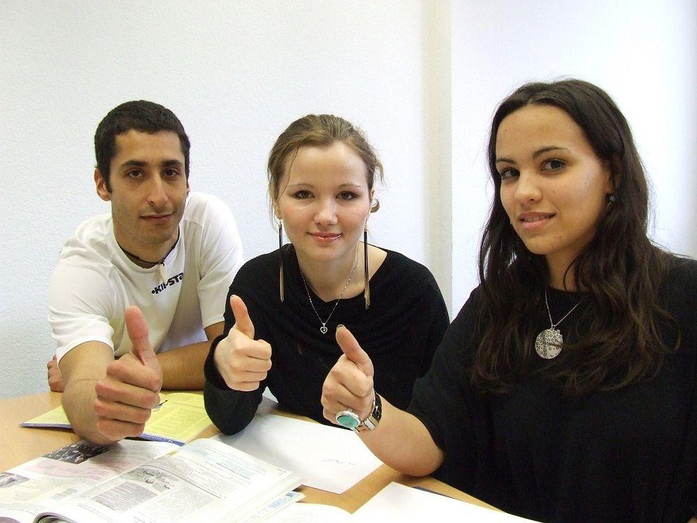 Pro studenty je stáž vynikající příležitostí zúročit teorii a poznat praxi. Využijte jejich euforie!