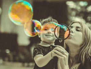 Mateřství neznamená muset se vzdát svých snů. Naopak, jako matka v sobě můžete objevit nové schopnosti či touhy.