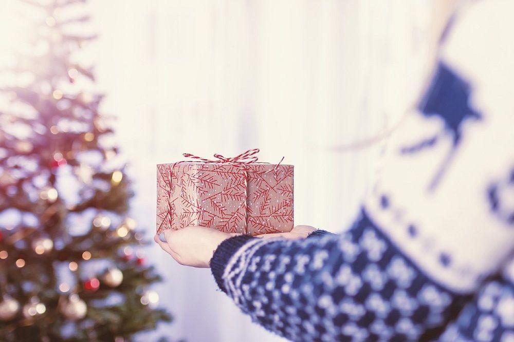 Myšlenky na nákup dárků teď u většina lidí má. Vám odpadne úkol předsvědčit je, že chtějí nakupovat. To vědí, jen potřebují zjistit, že právě u Vás ;-)