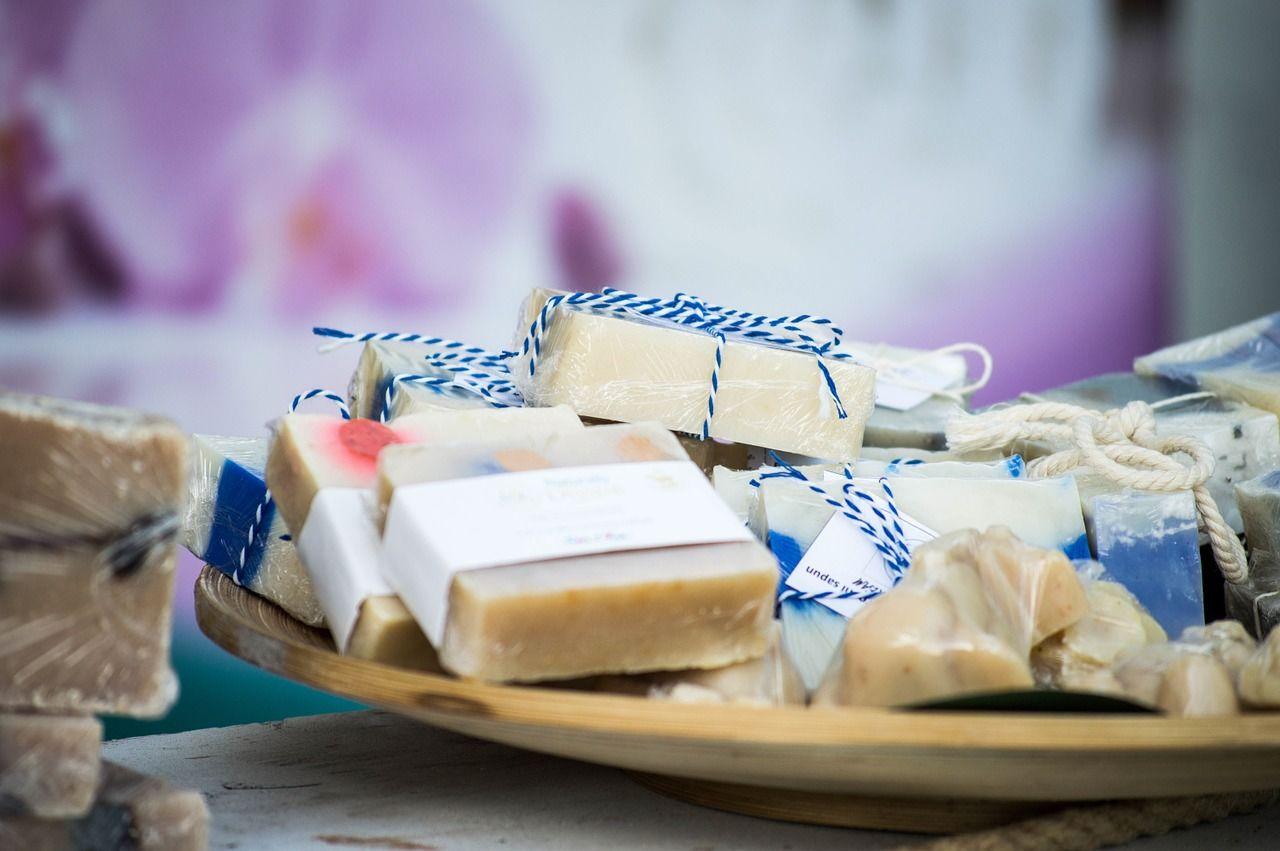 Ručně vyráběná mýdla jsou také trendy. Co říkáte na jejich výrobu? Není to to pravé pro Vás?